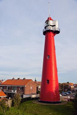 Hoek Van Holland Lighthouse. by benkrut