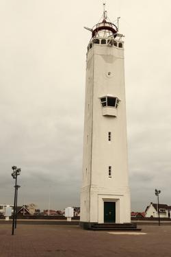 Noordwijk Lighthouse by benkrut