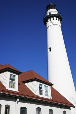 Wind Point Lighthouse by benkrut