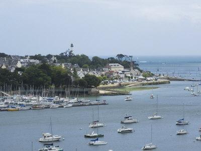 https://imgc.allpostersimages.com/img/posters/benodet-a-popular-sailing-resort-on-the-river-odet-estuary-southern-finistere-brittany-france_u-L-P7NU2O0.jpg?p=0