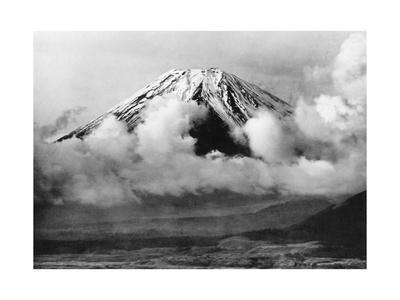 https://imgc.allpostersimages.com/img/posters/berg-fuji-in-japan-1930er-jahre_u-L-Q10UHIC0.jpg?p=0
