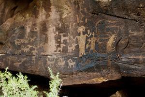 USA, Utah. Wellington, Nine-mile Canyon, Petroglyphs at Daddy Canyon. by Bernard Friel