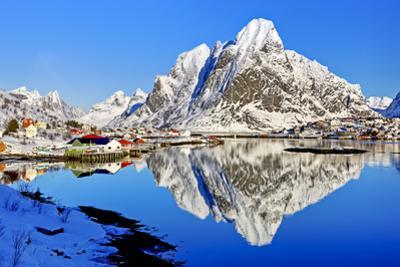 Norway, Lofoten, Moskenesoy, Pure by Bernd Rommelt