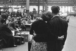 Waterloo Lovers by Bert Hardy