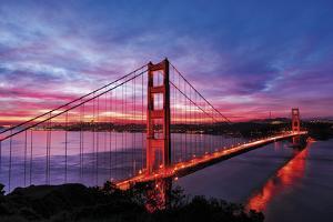 Golden Gate Bridge by Berthold Dieckfoss