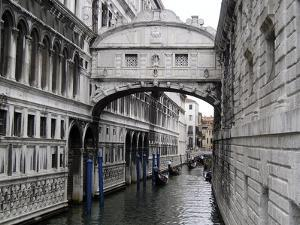 Travel Trip Venice on a Budget by Betsy Vereckey