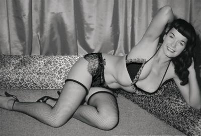 Bettie Page Queen Of Pin-Up