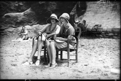 Biarritz Beach Belles