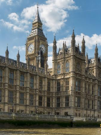 https://imgc.allpostersimages.com/img/posters/big-ben-and-houses-of-parliament_u-L-Q1AVE2V0.jpg?p=0