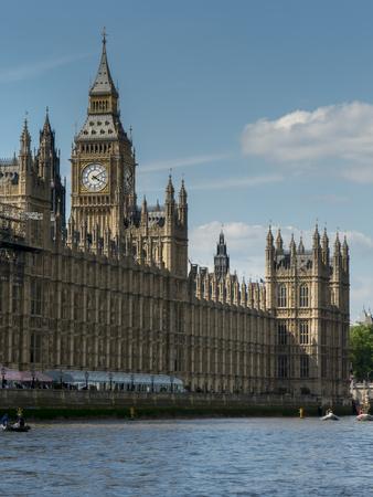 https://imgc.allpostersimages.com/img/posters/big-ben-and-houses-of-parliament_u-L-Q1AVEQD0.jpg?p=0