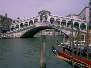 Grand Canal and Rialto Bridge, Venice, Italy by Bill Bachmann