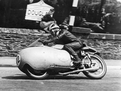 Bill Lomas at Governor's Bridge, Isle of Man Junior Tt, 1955