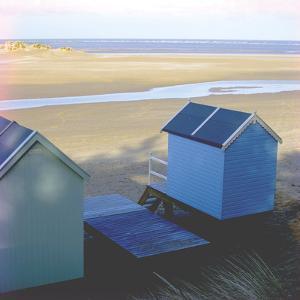 Beach Hut - Break by Bill Philip