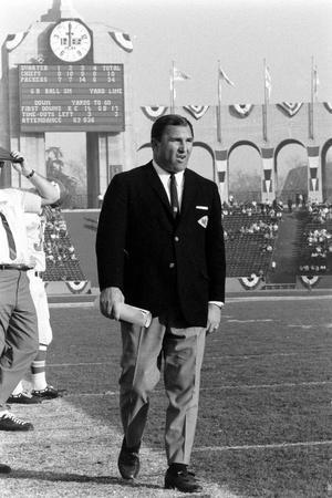 Coah Hank Stram of the Kansas City Chiefs, Super Bowl I, Los Angeles, CA, January 15, 1967