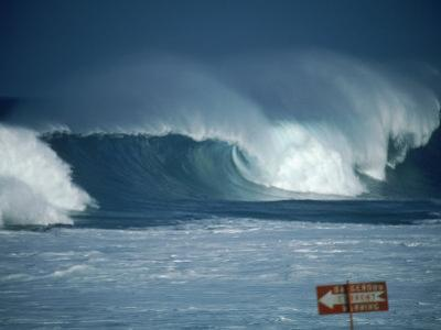 Crashing Waves, Oahu, Hawaii