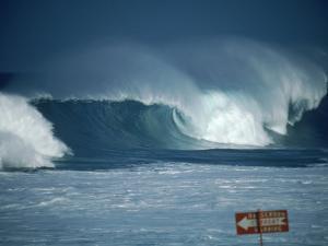 Crashing Waves, Oahu, Hawaii by Bill Romerhaus
