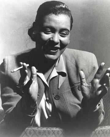 https://imgc.allpostersimages.com/img/posters/billie-holiday-smoking-cigarette-in-black-and-white-portrait_u-L-Q117L810.jpg?p=0