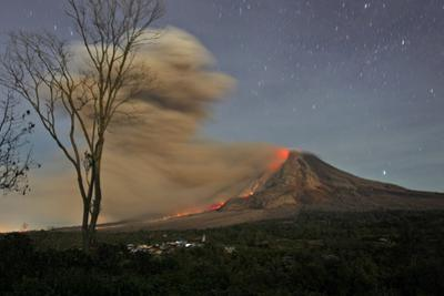 Indonesia Volcano by Binsar Bakkara