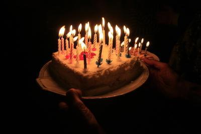 https://imgc.allpostersimages.com/img/posters/birthday-cake-france_u-L-Q1GYKL70.jpg?artPerspective=n