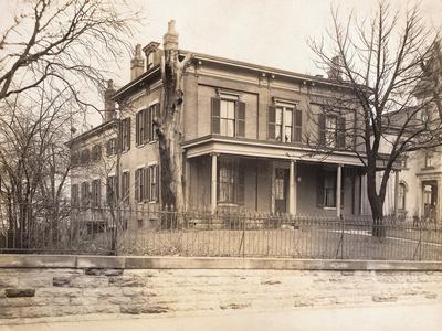 https://imgc.allpostersimages.com/img/posters/birthplace-of-william-howard-taft_u-L-PZOQJD0.jpg?artPerspective=n