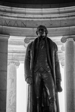 Black and White shot of statue inside Jeffereson Memorial in Washington DC