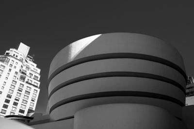 Black and White shot of the Guggenheim Museum in NYC