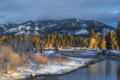https://imgc.allpostersimages.com/img/posters/blackfoot-river-at-sunrise-near-ovando-montana-usa_u-L-PN6MAE0.jpg?p=0