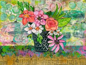 Avery Daisy Florals by Blenda Tyvoll
