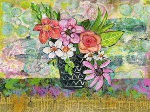Avery Daisy Flowers by Blenda Tyvoll