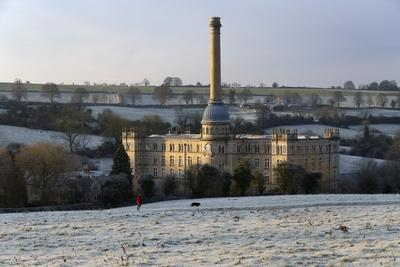https://imgc.allpostersimages.com/img/posters/bliss-mill-in-morning-frost-chipping-norton-cotswolds-oxfordshire-england-uk_u-L-PWFBEQ0.jpg?p=0