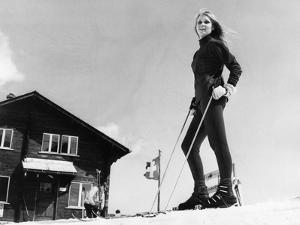 Blonde Ski Model