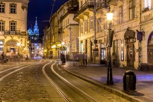 Rynok Square in Lviv at Night by bloodua