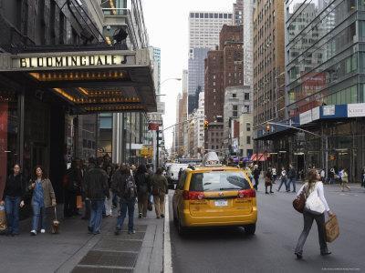 https://imgc.allpostersimages.com/img/posters/bloomingdale-s-department-store-lexington-avenue-upper-east-side-new-york-city_u-L-P1K9WE0.jpg?p=0