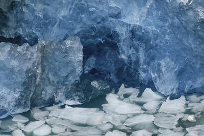 https://imgc.allpostersimages.com/img/posters/blue-ice-perito-moreno-glacier-los-glaciares-national-park-argentina_u-L-Q1CZMQ50.jpg?artPerspective=n