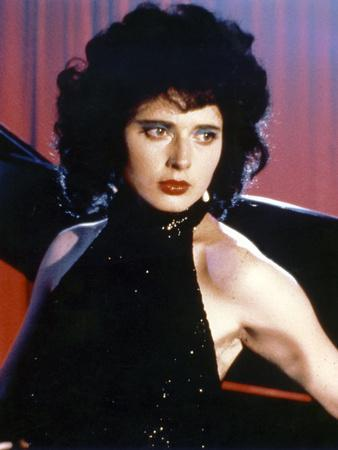 https://imgc.allpostersimages.com/img/posters/blue-velvet-by-davidlynch-with-isabella-rossellini-1986-photo_u-L-Q1C307J0.jpg?artPerspective=n