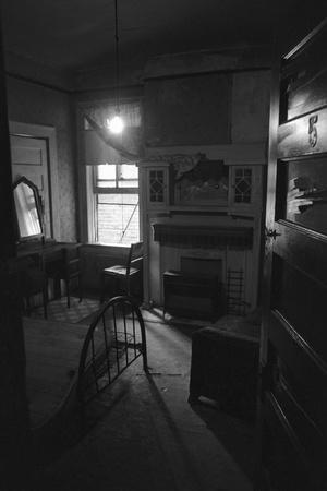 https://imgc.allpostersimages.com/img/posters/boarding-house-room-where-martin-l-king-jr-was-shot-from_u-L-PZMUEP0.jpg?artPerspective=n