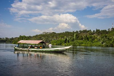 https://imgc.allpostersimages.com/img/posters/boat-with-tourists-shipping-around-the-source-of-the-nile-jinja-uganda-east-africa-africa_u-L-PQ8MBB0.jpg?p=0