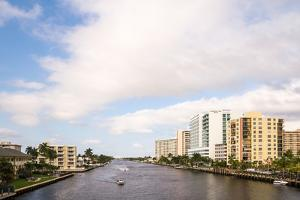 Boats and modern buildings on the Intracoastal Waterway in Fort Lauderdale, Broward County, Flor...