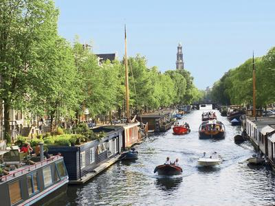 https://imgc.allpostersimages.com/img/posters/boats-cruise-along-a-canal-with-the-zuiderkerk-bell-tower-in-the-background-amsterdam-netherlands_u-L-PXQNZU0.jpg?p=0