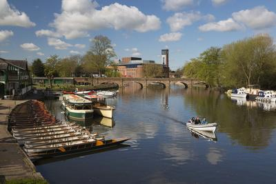 https://imgc.allpostersimages.com/img/posters/boats-on-the-river-avon-and-the-royal-shakespeare-theatre_u-L-PWFBCQ0.jpg?p=0