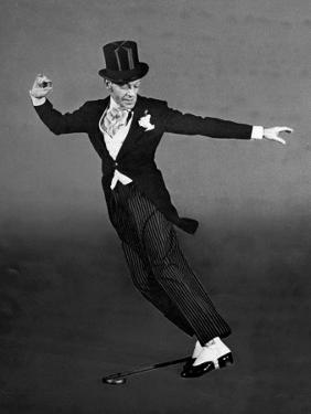 """Fred Astaire in Top Hat, Tails and Spats, Dancing """"Puttin' on the Ritz"""" for """"Blue Skies"""" by Bob Landry"""