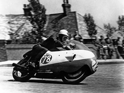 Bob Mcintyre on Gilera 500-4, 1957 Isle of Man Tourist Trophy race