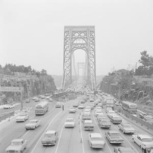 Traffic on George Washington Bridge by Bob Wendlinger