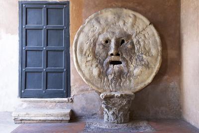 https://imgc.allpostersimages.com/img/posters/bocca-della-verita-santa-maria-in-cosmedin-rome-lazio-italy-europe_u-L-PQ8OMN0.jpg?artPerspective=n