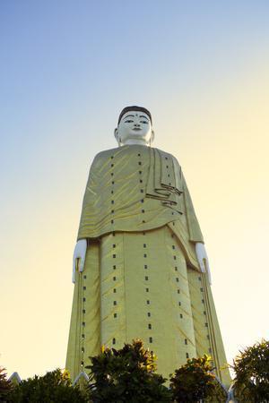 https://imgc.allpostersimages.com/img/posters/bodhi-tataung-laykyun-sekkya-standing-buddha-statue-monywa-sagaing-myanmar-burma_u-L-Q12SADT0.jpg?p=0