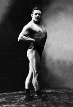 Bodybuilder's Shadowed Front and Right Profile