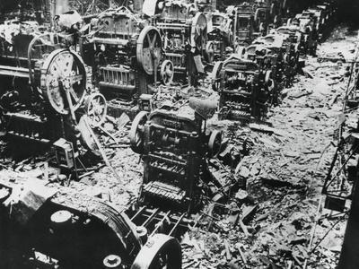 https://imgc.allpostersimages.com/img/posters/bomb-damage-at-a-renault-factory-sevres-paris-4-april-1943_u-L-Q10LZNY0.jpg?p=0