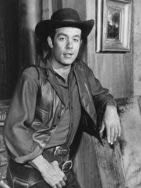 Bonanza, Pernell Roberts, 1959-1973
