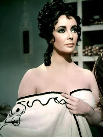 https://imgc.allpostersimages.com/img/posters/boom-1968-directed-by-joseph-losey-elizabeth-taylor-photo_u-L-Q1C3DQE0.jpg?artPerspective=n