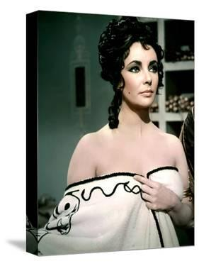 BOOM !, 1968 directed by JOSEPH LOSEY Elizabeth Taylor (photo)